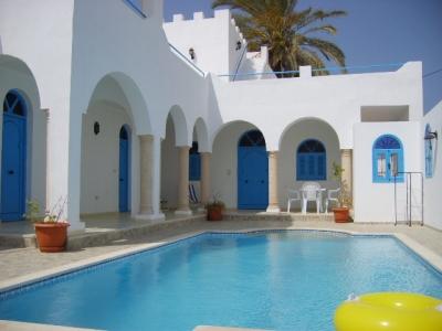 Location vacances djerba midoun maison location djerba for Piscine demontable tunisie